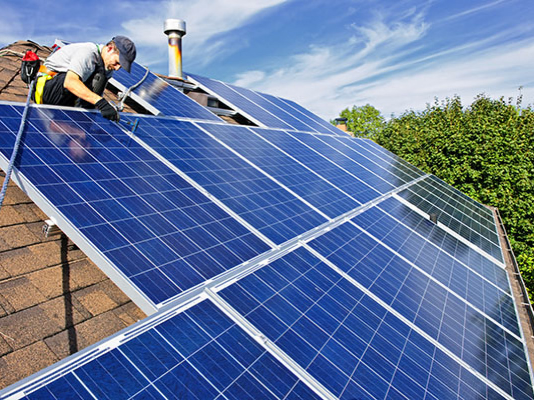 Why hire a professional solar panel cleaning company?